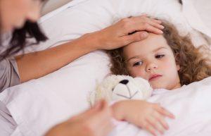 Ребенок болеет в постели , страхи мамы оправдались.