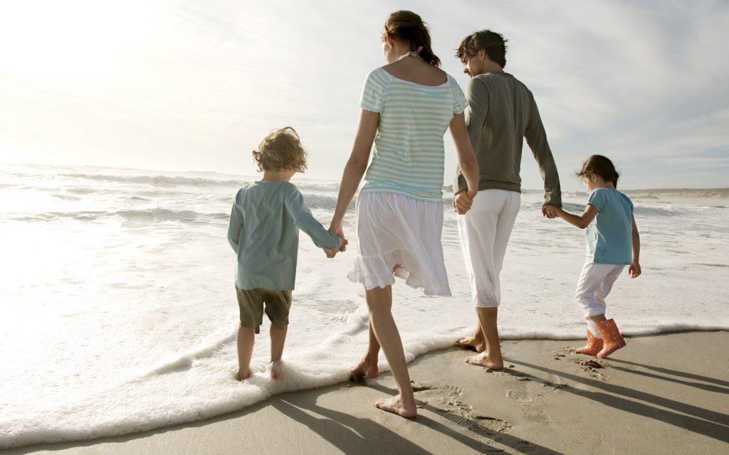 Роль мамы и роль отца в семье — кто для ребенка важнее?