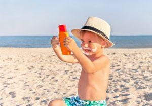 сухая кожа у детей исчезает, если мазать её кремом