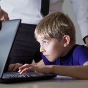 5 способов контролировать ребенка в интернете, не нарушая личных границ