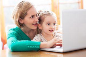 контролировать ребенка в интернете необходимо ради его безопасности