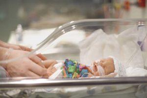 недоношенные дети и их проблемы при рождении