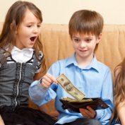 Почему дети воруют. Как избежать и какие причины