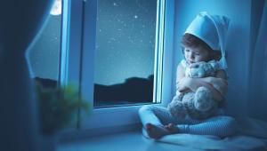 Чтобы разбудить ребенка без капризов необходимо делать это постепенно