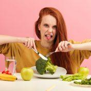 Отвращение к еде при беременности — другая крайность