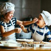 Готовим с детьми — 9 советов, как не сдаться раньше времени