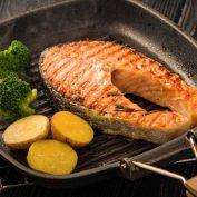 Как лучше убрать жир со сковороды и почему нельзя иначе