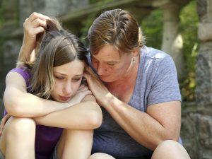 Дочь встречается с плохим парнем! Что делать родителям, если молодой человек дочери не нравится