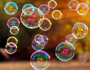 Мыльные пузыри опасны для детей? Что, если ребенок попробовал их на вкус?