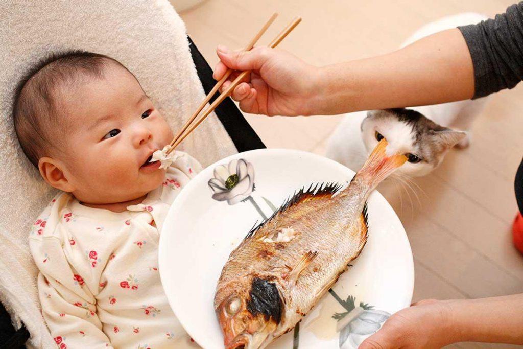 С какого возраста можно давать морепродукты детям? И как это сделать правильно?