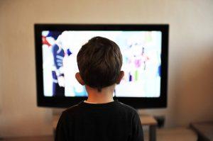 Можно ли ребенку смотреть телевизор? – когда уже можно