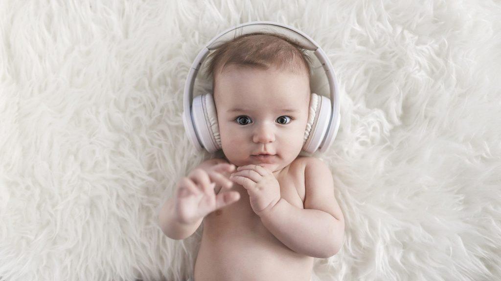 Когда ребенок начинает понимать слова? Раньше, чем кажется!