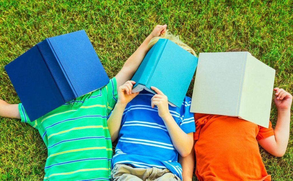 Как приучить ребенка делать уроки самостоятельно? 9 советов для «домашки» без слез