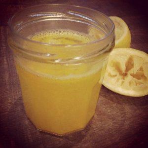 Горячий лимонад - зимний горячий напиток для детей.