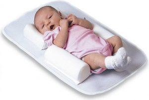 Фиксатор полодения ребенка во сне - еще одна бесполезная покупка для ребенка и бесполезная вещь для новорожденного.