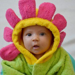 Халат для новорожденного - бесполезная вещь для новорожденного.