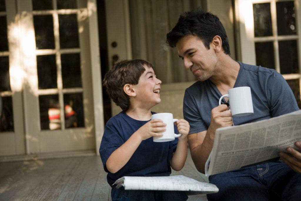 Вредные привычки родителей, которые дети перенимают — 8 отвратительных