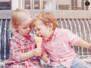 Как объяснить ребенку, что такое доброта и научить делиться.