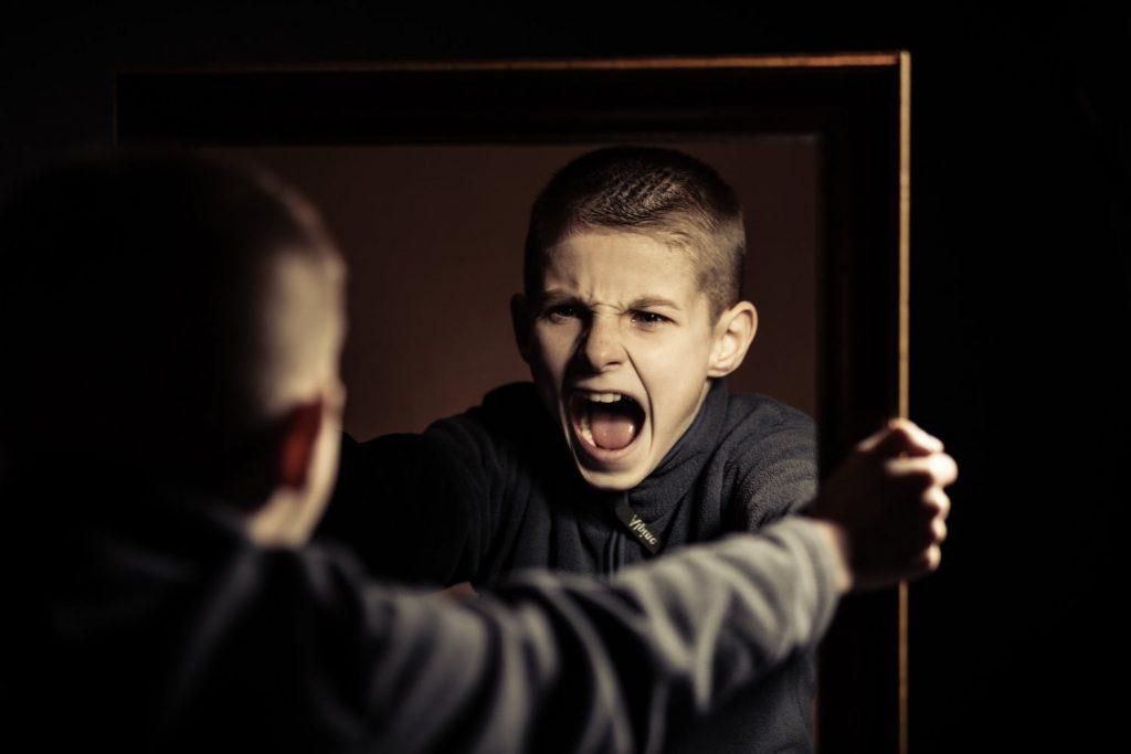 Почему подростки злятся? 5 причин подростковой злости на заметку родителям