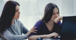 Мама помогает пережить трудности. Почему подростки злятся?