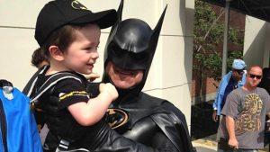 Бэтмен - супергерой, как и родитель, сумевший полюбить некрасивого ребенка.