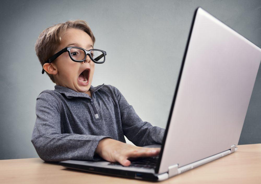 4 главные опасности социальных сетей для детей. Негативное влияние интернета на детей и подростков